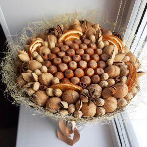 Букет из лесных орехов — Мужские букеты