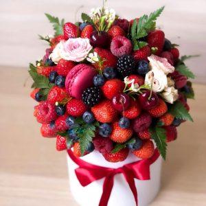Коробка с ягодами «Тиффани» — Композиции