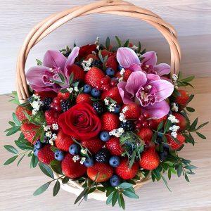 Корзина орхидей и ягод — Съедобные букеты