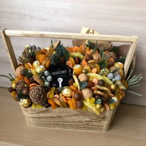 Новогодний ящик «Как в сказке» — Корзины с фруктами