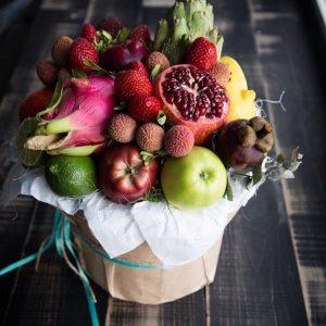 Коробка с экзотическими фруктами — Акции и скидки