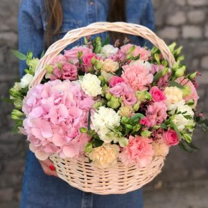 Корзина цветов Поцелуй ангела — Гвоздики