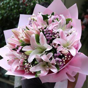 Букет из 11 розовых лилий — Букеты цветов