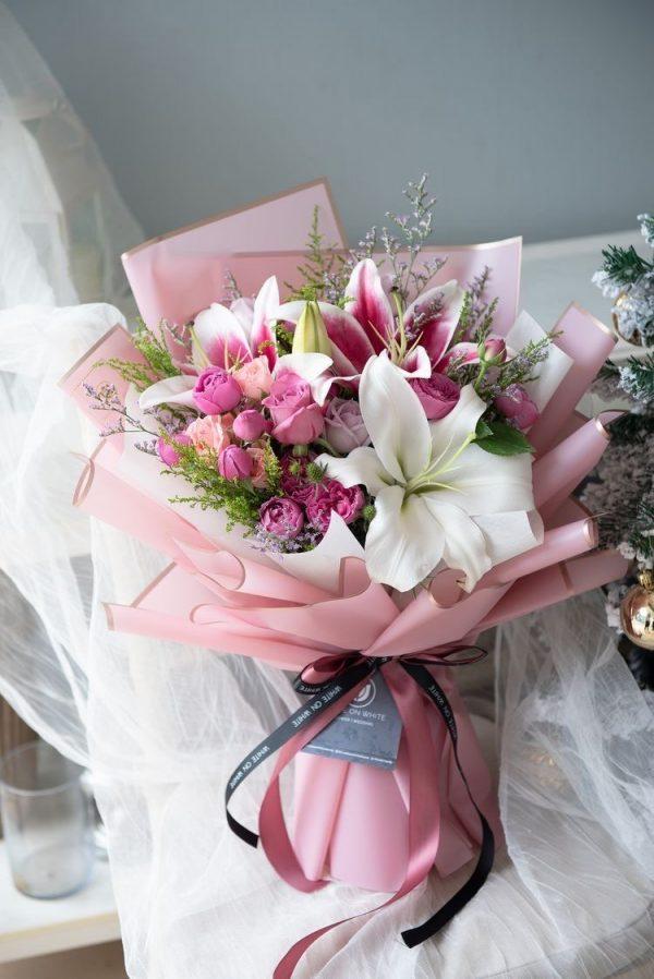 Букет роз и лилий — Букеты цветов