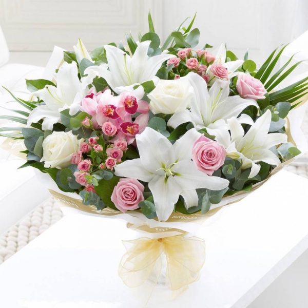 Букет «Нежность» из роз и лилий — Букеты цветов